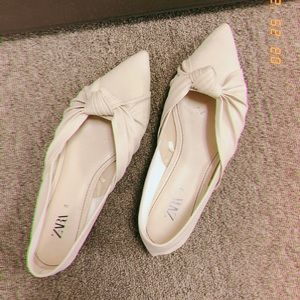 Zara muted white soft ballet flats with bow knot